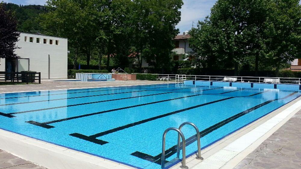 Inaugura la nuova piscina comunale un sabato di festa a for Piscina per tartarughe acquatiche
