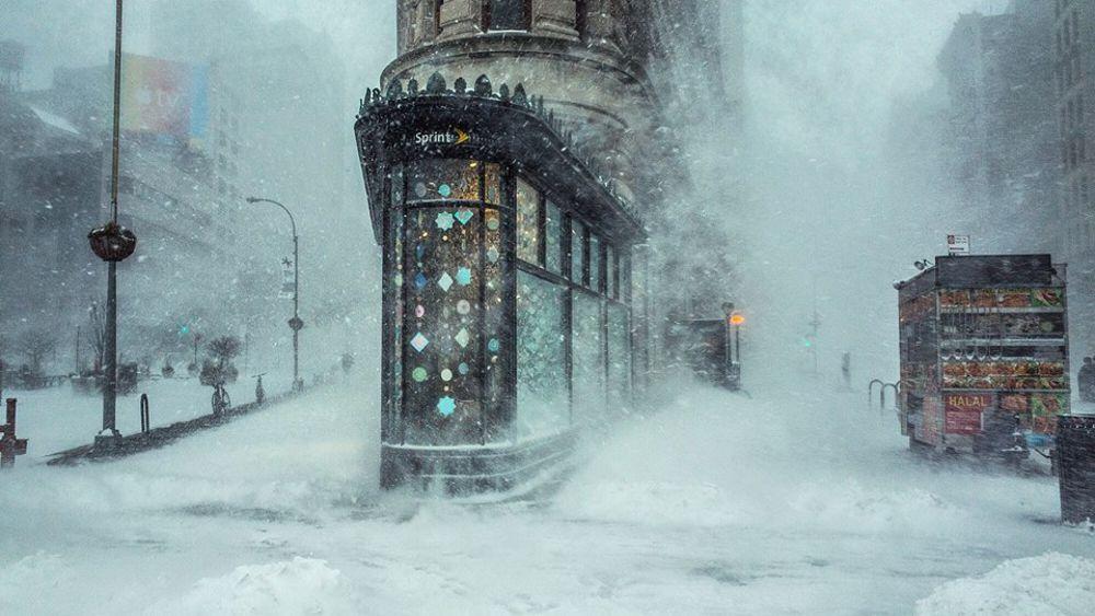 """Fotografo ravennate scatta """"la foto perfetta"""" della bufera a New York"""