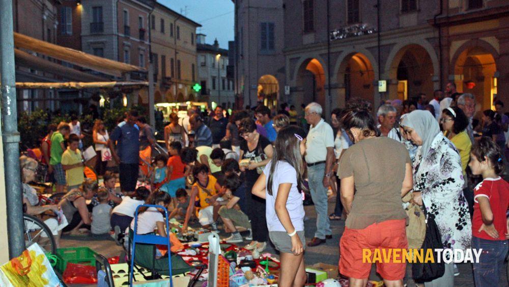 Torna per l 39 estate il mercatino dei bambini e delle arti - Mercatino ravenna ...