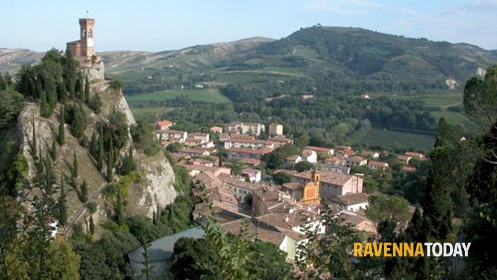 Il borgo dei borghi d 39 italia 2015 brisighella entra in finale - San silvestro bagno di romagna ...