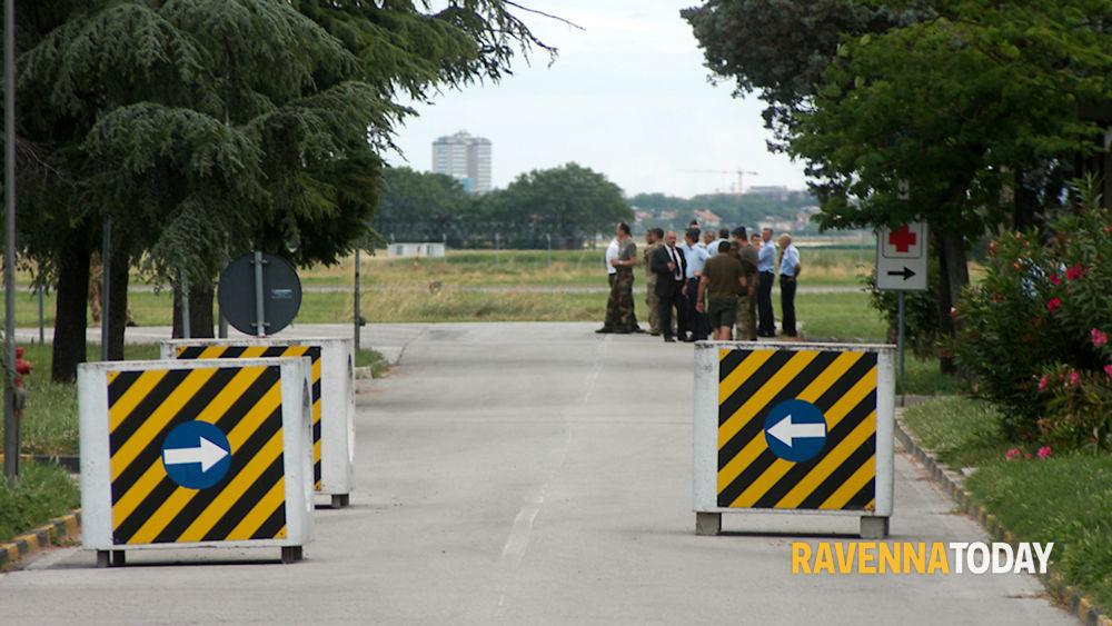 Aeroporto Ravenna : Cade dall elicottero a cervia muore sottufficiale