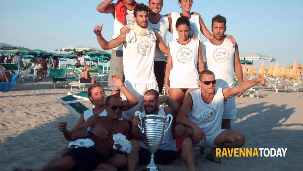 Cervia il mercuriali vince la sfida di beach tennis tra - Bagno balmor cervia ...